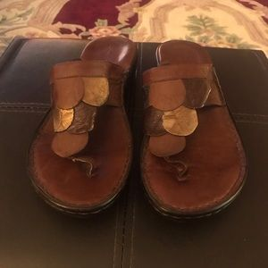 Boho leather Clarke's flip flops. Size 8.5